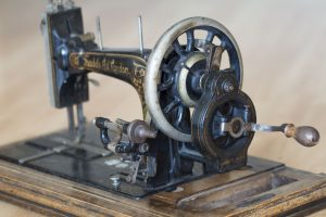 Eine alte Nähmaschine aus London